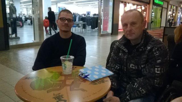 Vlevo propagátor SA Tomáš Pik anáš redaktor Tomáš Mošnička